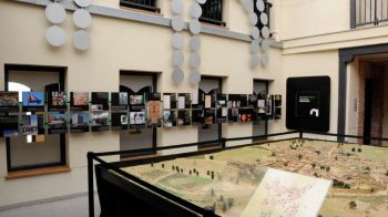 Estudiantes de la ESO convertidos en guías de la historia del municipio