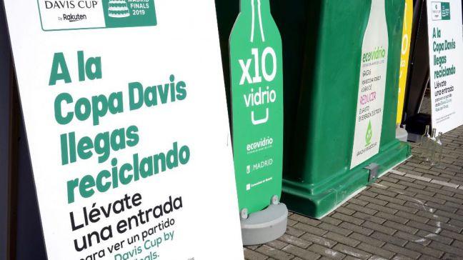 Reciclar botellas de plástico o vidrio tiene premio en Móstoles