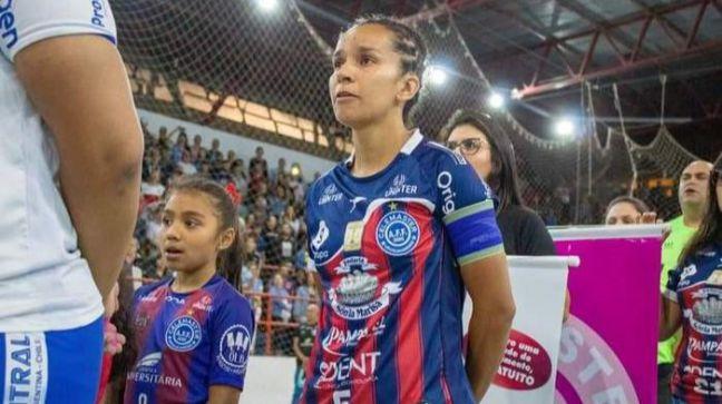 La internacional brasileña Dani Fleitas, nueva jugadora del FSF Móstoles