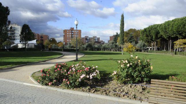 Móstoles amplía y mejora el servicio de mantenimiento de parques y jardines públicos