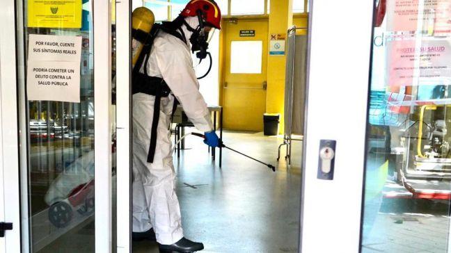 Los bomberos de Móstoles finalizan la desinfección de los centros de salud