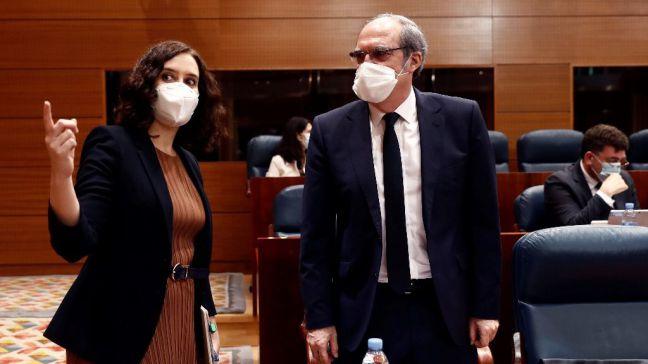 El PSOE pide el cese del consejero de Sanidad