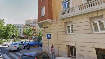 Hallado muerto un indigente con golpes en la cabeza en un parque infantil de Madrid