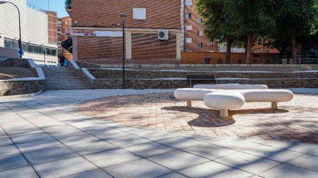Finaliza la remodelación integral de un espacio público entre las calles Río Genil y Río Bidasoa