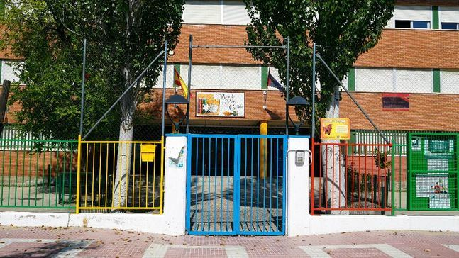 Prosiguen la mejora y rehabilitación de 25 colegios públicos de Móstoles