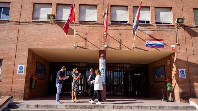Vuelta al cole: Noelia Posse visita varios centros en el primer día de curso