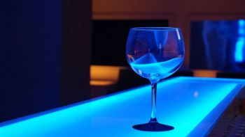 La Comunidad de Madrid autoriza a discotecas y bares de copas ofrecer servicios de hostelería y restauración