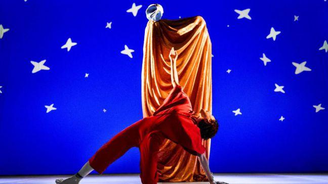 'A Escena' continúa este fin de semana con 'Babirusa Danza' y 'Tres Canciones de amor'