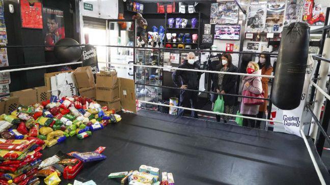 La Escuela de boxeo César Cepeda de Móstoles y su gran solidaridad