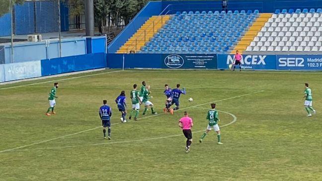 Triunfo del Móstoles en la octava jornada de liga: CD Móstoles 1 - 0 CD El Álamo