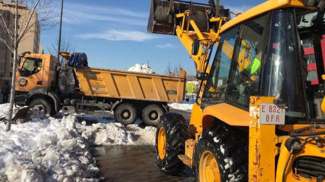 El Gobierno de Móstoles defiende sus más de 6.000 actuaciones por la nevada