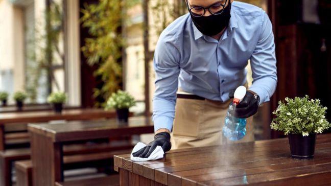 Se amplía el número de comensales en terrazas con obligatoriedad del uso de la mascarilla de forma continuada
