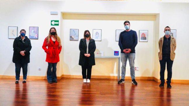 Noelia Posse visita la muestra 'De la realidad a la ilustración' en el Museo de la Ciudad de Móstoles