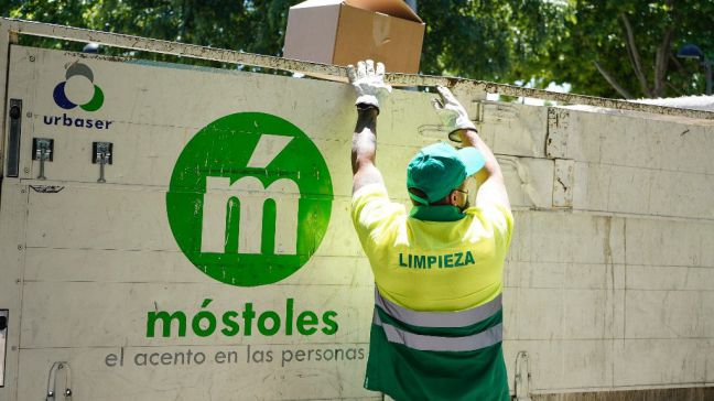 Móstoles refuerza su servicio gratuito de recogida de cartón puerta a puerta