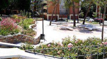 2.600 arbustos y 11 árboles plantados entre la calle Río Genil y Río Bidasoa de Móstoles