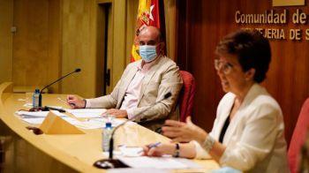 La Comunidad de Madrid amplía el sistema de autocitación para vacunarse a 12 hospitales y a los mayores de 48 años
