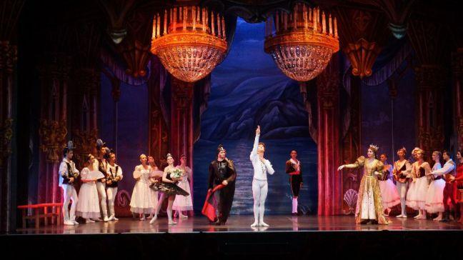 La Gran Vía madrileña recibe de nuevo a los bailarines del Ballet de San Petersburgo