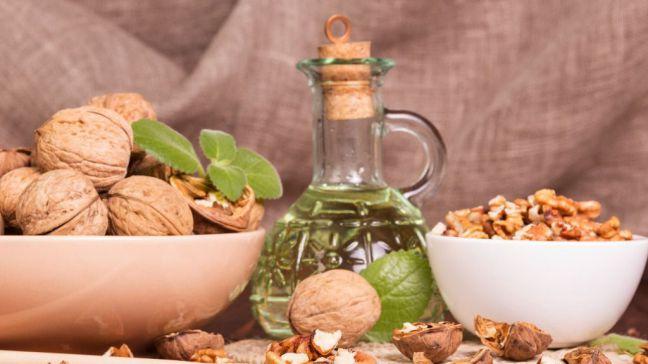Tolera mejor el sol gracias al aceite de oliva y los frutos secos