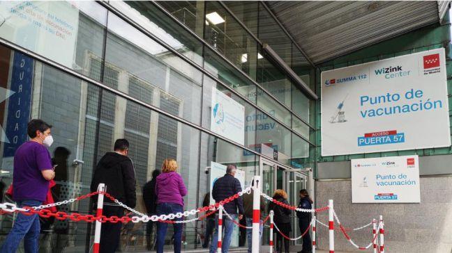 La Comunidad de Madrid vacuna sin cita en el Hospital Isabel Zendal y el Wizink Center