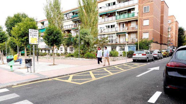 Visita al Distrito 1 de Móstoles donde ya han acabado los trabajos de asfaltado y señalización