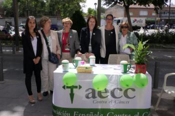 La Asociación Española Contra el Cáncer celebra su tradicional cuestación contra la enfermedad