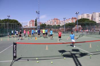 Más de 150 participantes en el Día de la Raqueta de Móstoles 2019