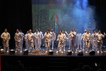 La peña Los Corbatos gana el `XXI Concurso de Agrupaciones Carnavalescas´ de Móstoles