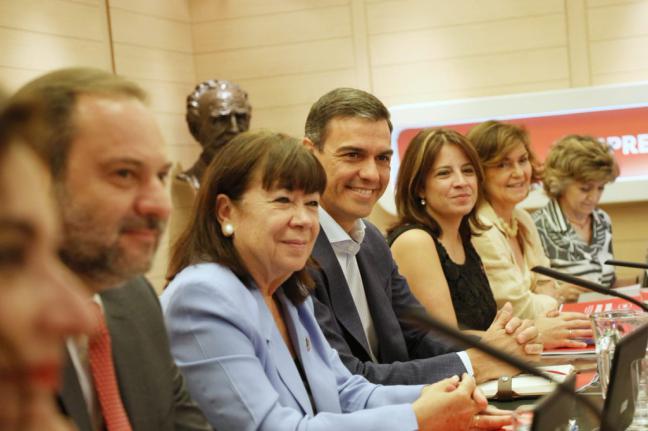 """El PSOE no cede ante las exigencias de Podemos y plantea un gobierno """"monocolor"""""""