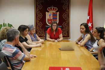 Noelia Posse recibe a las alumnas mostoleñas que representarán a España en la final del Technovation Challenge